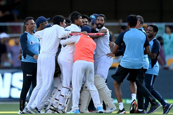 Article image for India record famous victory over Australia to retain Border-Gavaskar trophy