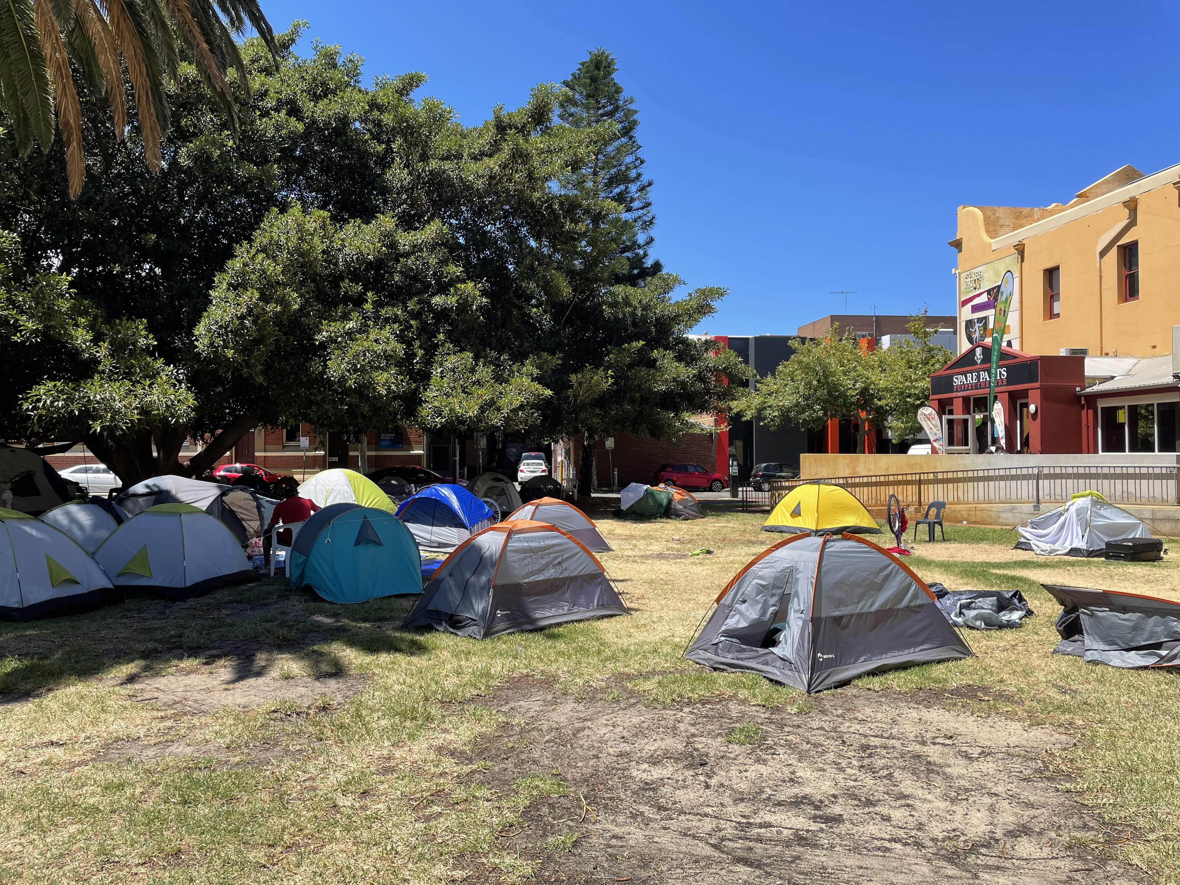 Article image for McGowan demands Fremantle tent city 'end now' amid 'disturbing' charges