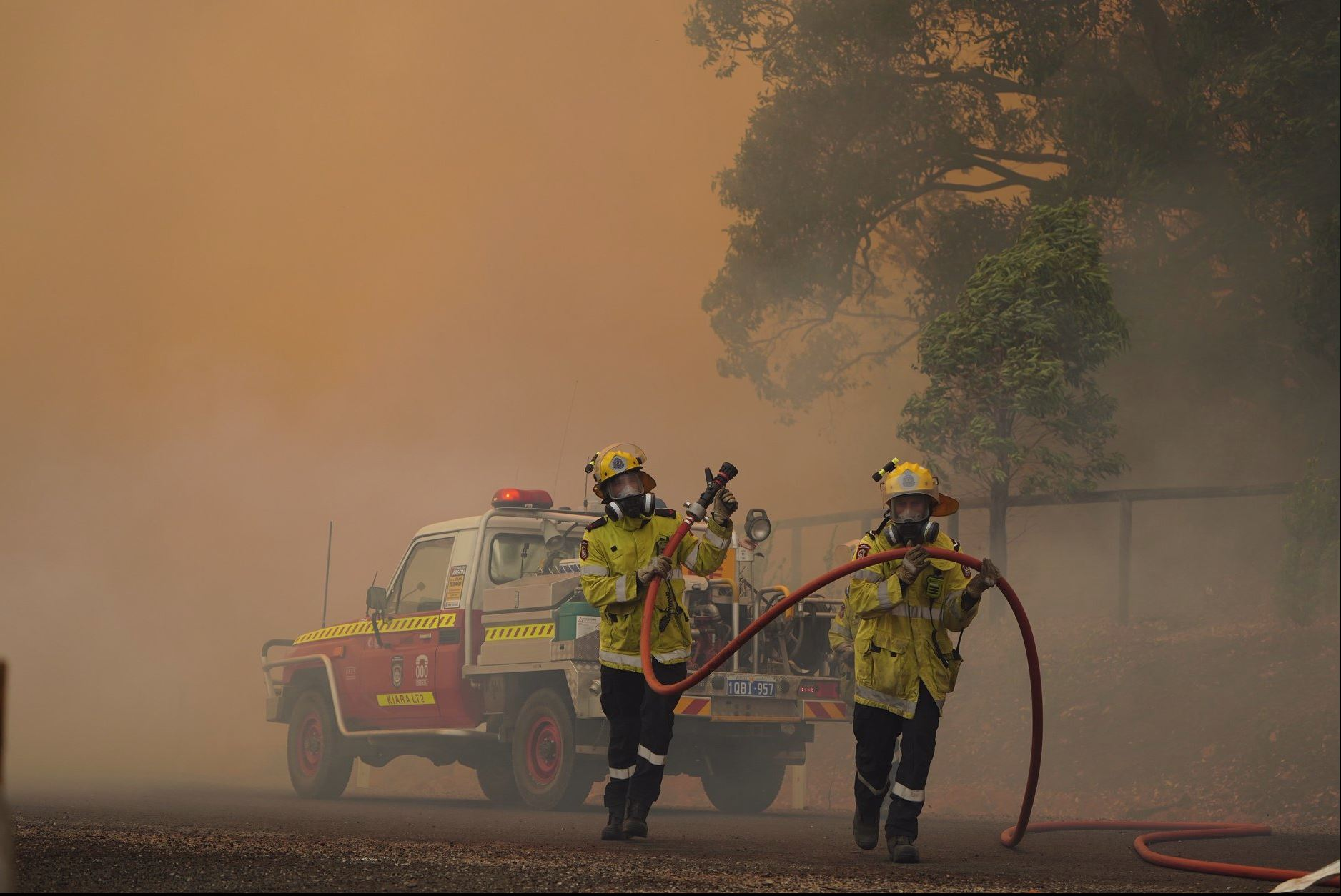 Article image for Number of homes destroyed grows as firefighter brace for difficult conditions