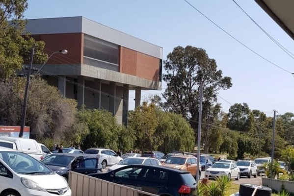 Article image for Traffic chaos at northern suburbs high school