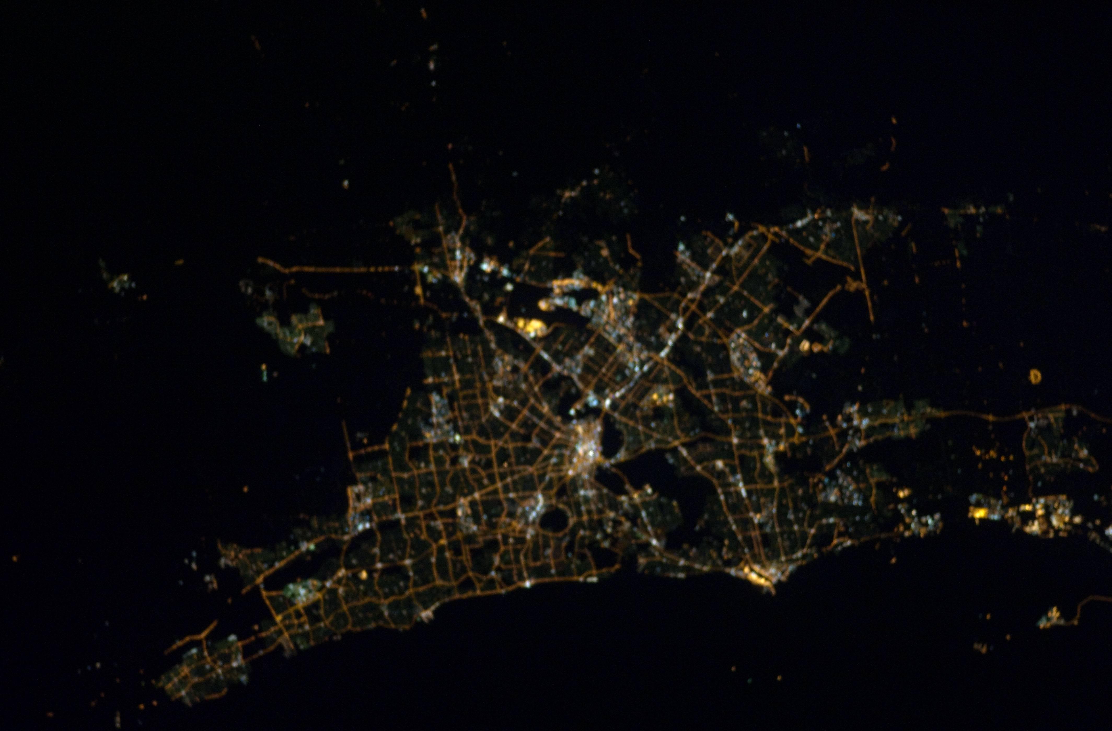 John Glenn's flight over the 'City of Lights' with Damian Shepherd