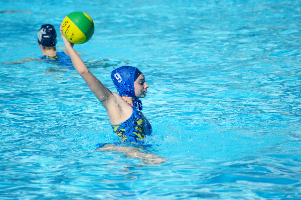 Water polo player gets blocked