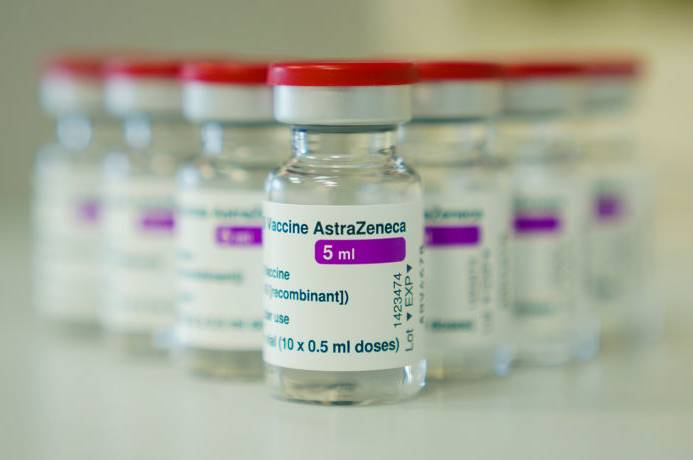 Article image for Epidemiologist explains why complications from AstraZeneca vaccine are 'incredibly low'