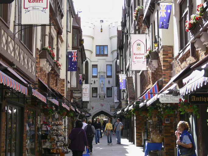 Article image for Historic Perth 'tourism hotspot' up for sale