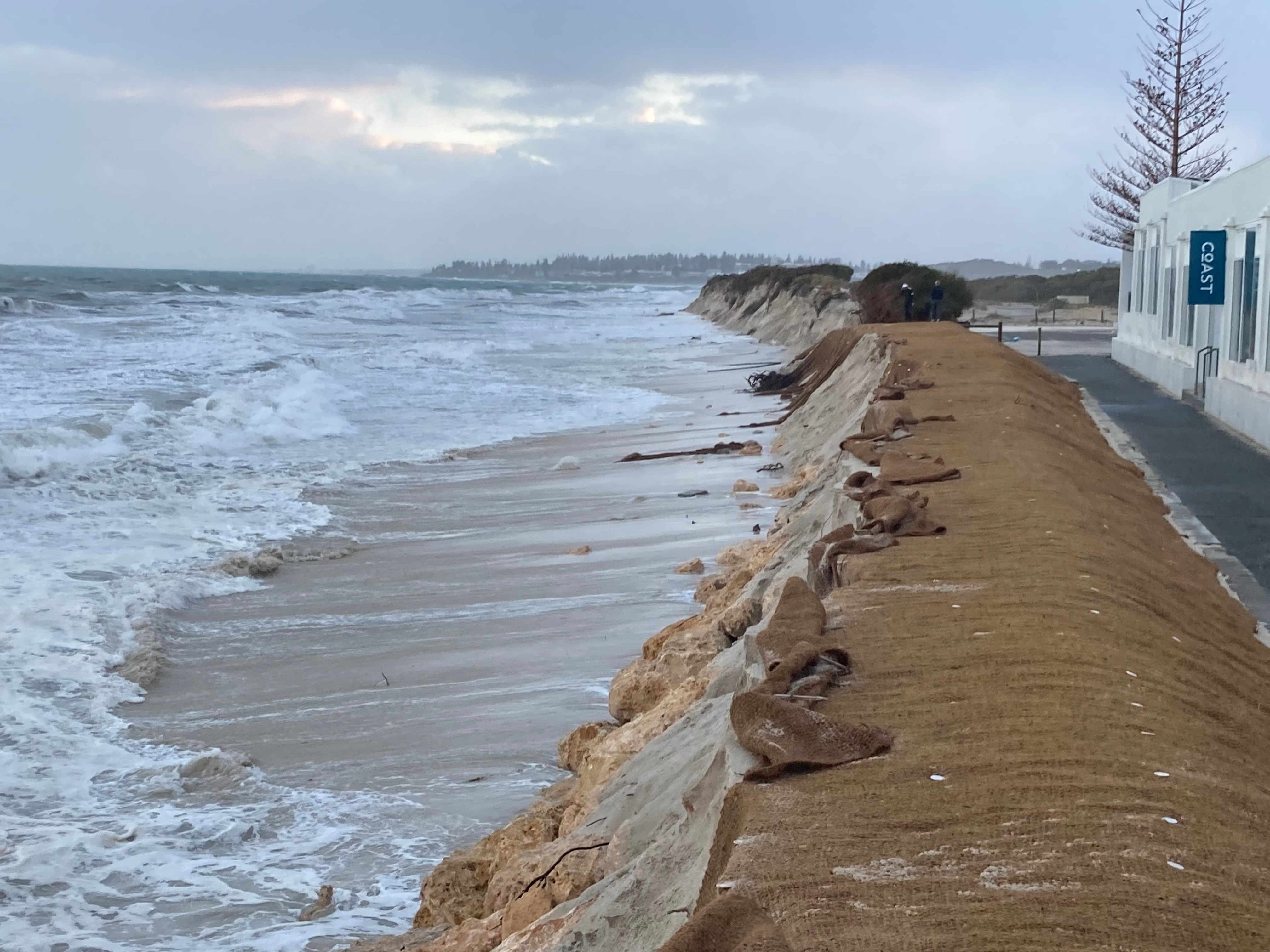 Article image for WA scientists warn about rise in coastal flooding