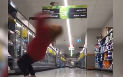 Article image for WHAT'S TRENDING   Supermarket stunt fail