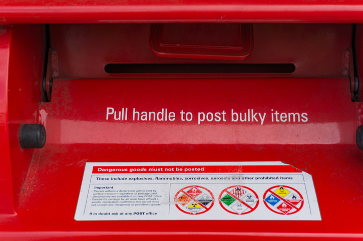 Article image for Australia Post under fire for delay in daily letter delivery restart