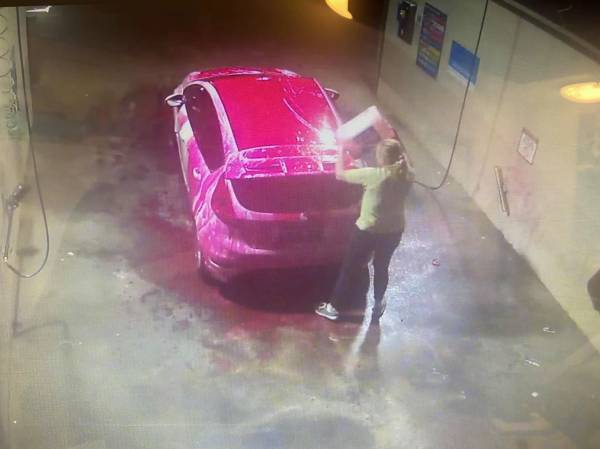 Article image for Caught 'red-handed': Woman makes costly mistake at Bunbury car wash