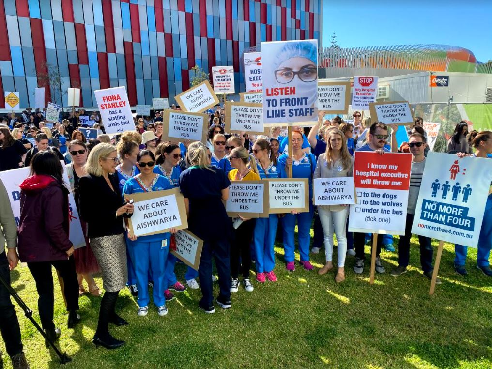 Article image for 'Don't throw me under the bus': Health workers rally at Perth Children's Hospital