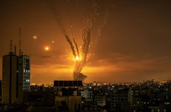 Article image for 'We just want calm': Aussie describes 'harrowing' scenes in Tel Aviv