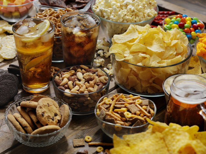 Article image for Researchers demand mandatory health warnings on junk food