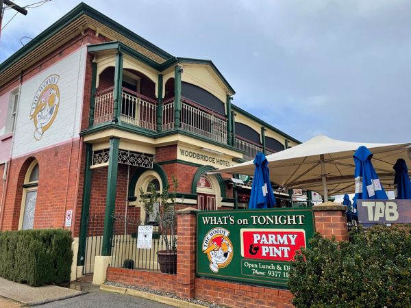 Slice of Perth – An old pub in Guildford serving an unbeatable parmi