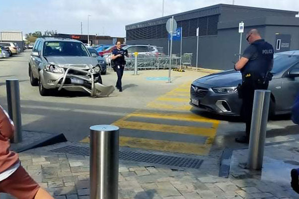 Article image for Wild police pursuit through Perth's south ends in arrest