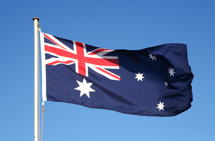 Article image for 'Intimidating' Australian flag and Queen's photo removed from a Perth council