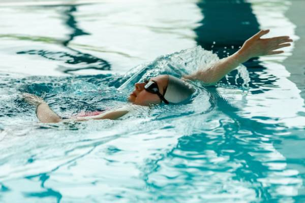 Article image for Women-only swimming lessons fail to make a splash