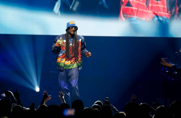 Article image for Menulog ditch Snoop Dogg for Aussie artists